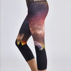 Onzie | Moon Rise Leggings | Size S/M | Cropped